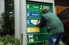 Saiba onde é vendida a gasolina mais cara do Brasil